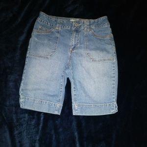 St Johns Bay size 6 shorts
